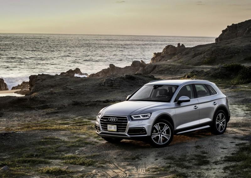 憑藉卓越的產品實力,The new Audi Q5不僅榮獲德國權威汽車雜誌《Zeitung》評選為「2016 Auto Trophy – 最佳中型休旅車」殊榮,亦獲得德國權威汽車《Auto Bild》讀者一致肯定,勇奪「最佳全地形與休旅車」的高度評價。Audi Q5高剛性車體以及所搭載的安全配備也備受全球權威機構認證肯定,榮獲Euro NCAP撞擊測試五星頂級評選的殊榮。