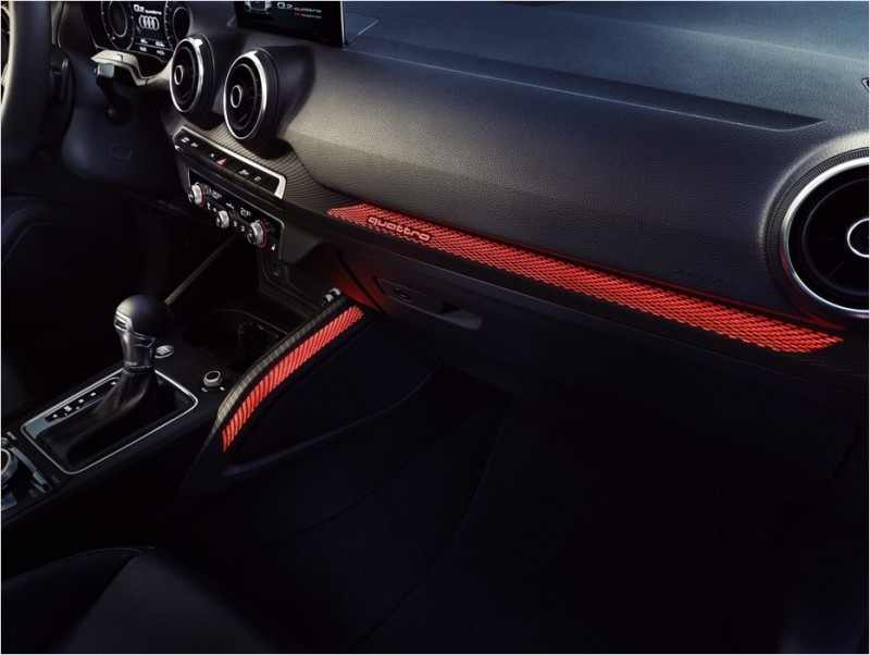 Audi Q2 承襲四環品牌對於細節的嚴苛要求,打造具備時尚風格與精緻質感的內裝陳設,全車系唯一搭載光影設計樣式內裝飾板,創造Q2 搶眼奪目的專屬品味風格。