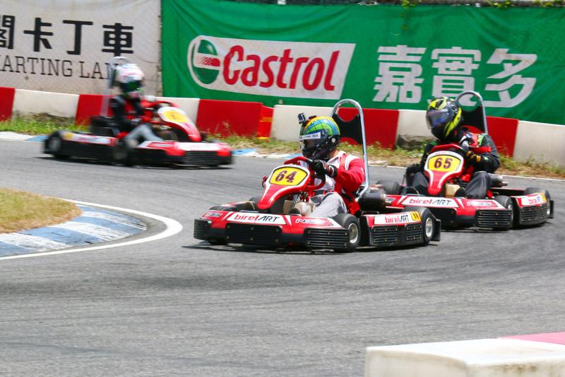 B組的Faylung Leung(64號車)在決賽中展現實力,自第六位衝到冠軍席次。