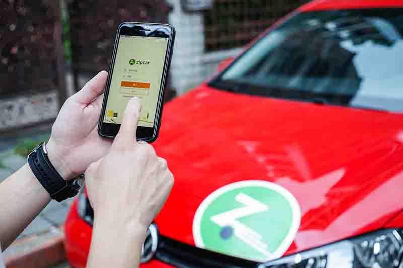 Zipcar共享汽車平台可輕鬆使用行動裝置取用車輛。