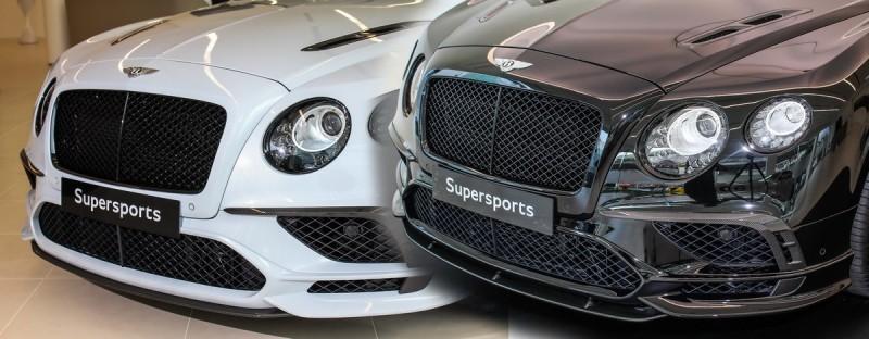 黑車選用固定式碳纖維尾翼,車頭碳纖維下巴型式也與白車不同