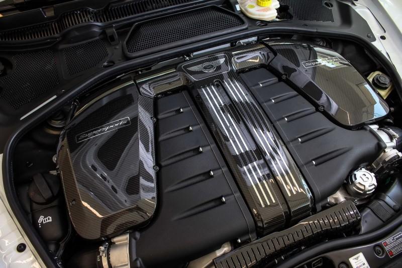6升W12雙渦輪增壓引擎可輸出710ps/104kgm動力,靜止加速到100公里僅3.5秒