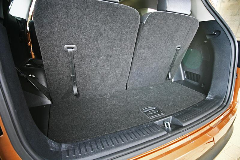 當第三排座椅使用時,行李空間僅有142公升。