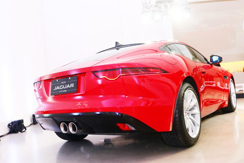 18 年式 New F-Type Coupé建議售價自 379 萬起。