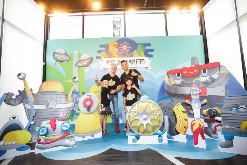 台灣賓士特別為「星奇怪獸夏令營」設計十款由汽車零件化身的「星奇怪獸」,造型獨特吸引賓客搶拍。
