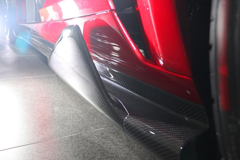 這個車側定風翼造型夠誇張了吧?