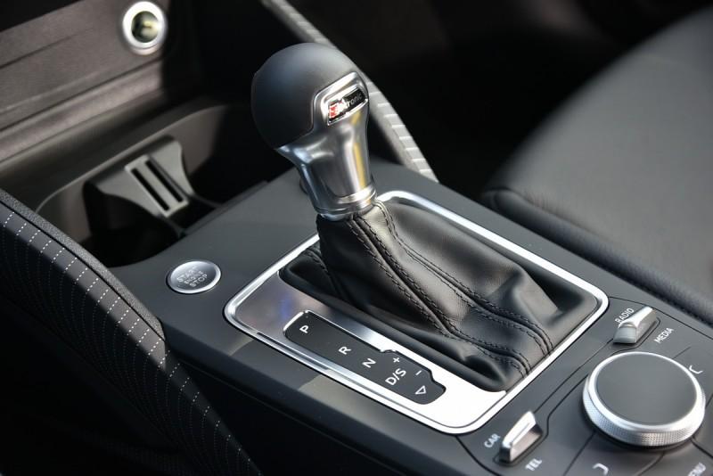 S-tronic 7速自手排是1.4升渦輪增壓引擎最佳拍檔