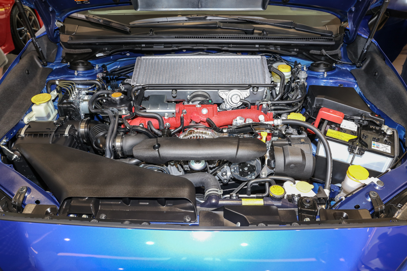 WRX STI則搭載2.5升渦輪增壓水平對臥引擎與SAWD對稱式全時四輪傳動系統,最大動力達到300hp,搭配強化的六速手排變速系統,0~100km/h加速僅需5.2秒。