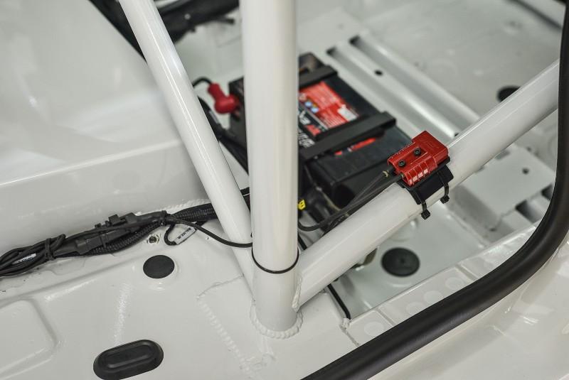 房滾籠與車身接點也經過強化