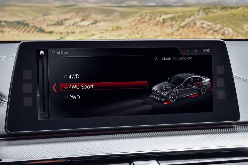 四驅的全新BMW M5可以選擇純後驅模式,這是一定要強調一下的。