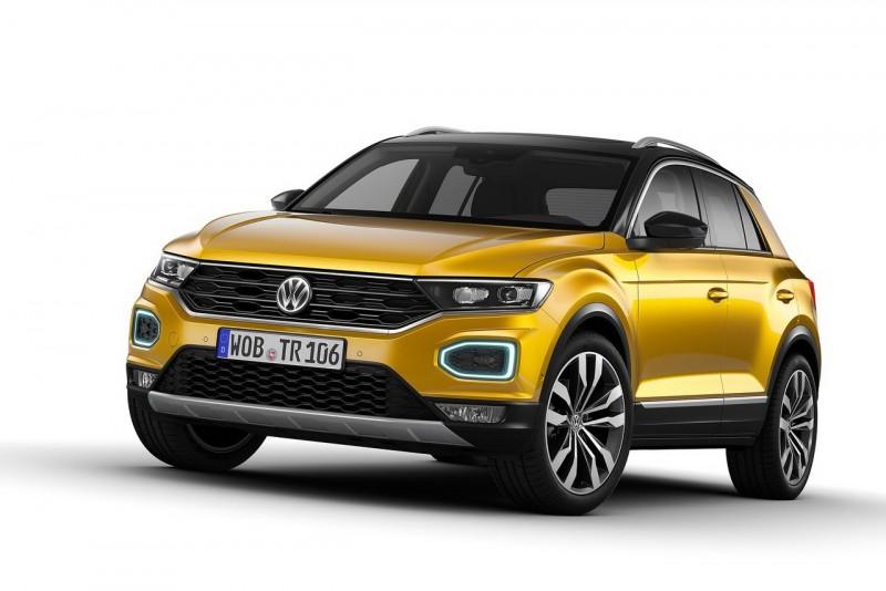 2018 Volkswagen T-Roc高規車型採用全LED轉向輔助照明頭燈,在保桿兩端改以六邊形圈狀晝行/方向燈環取代概念車上圓形設計