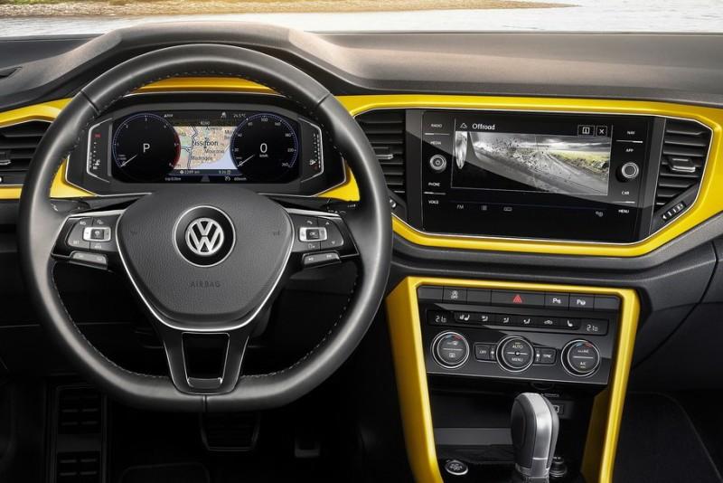 駕駛界面上更配備新一代、將油錶與水溫獨立出來的Active Info Display 11.7英寸數位虛擬儀錶