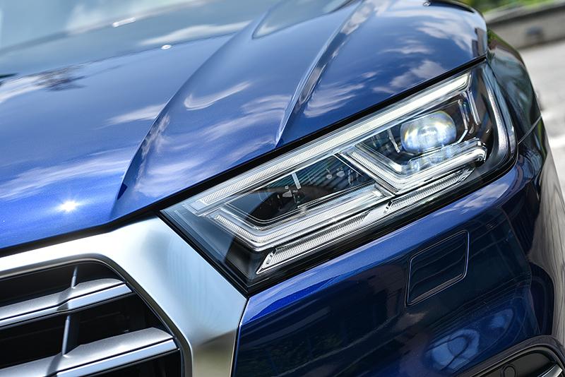 頭燈堪稱車的靈魂之窗,而俐落有神的LED頭燈組,正是全新Q5畫龍點睛的精髓所在。