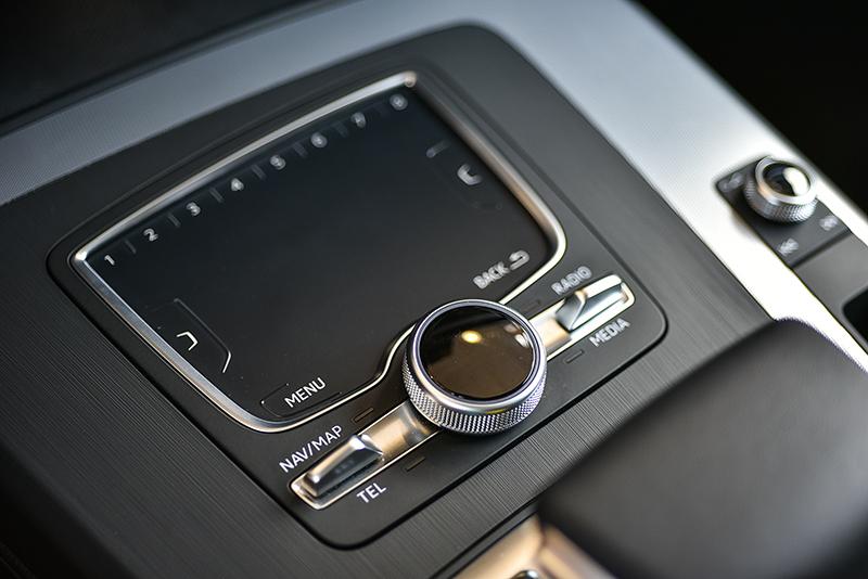 MMI navigation plus多媒體系統的5.1吋觸控手寫板,輸入資訊更加輕鬆簡便。
