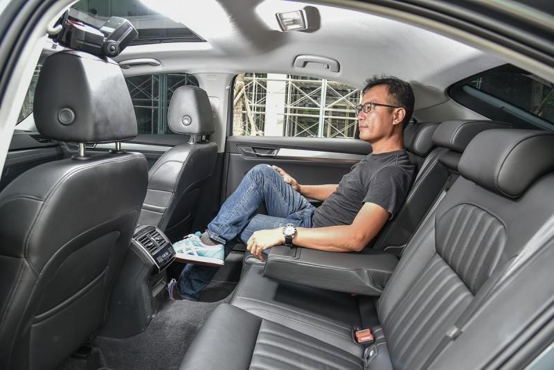 170公分身高筆者入座相當寬敞舒適,更高大乘客也不是問題。