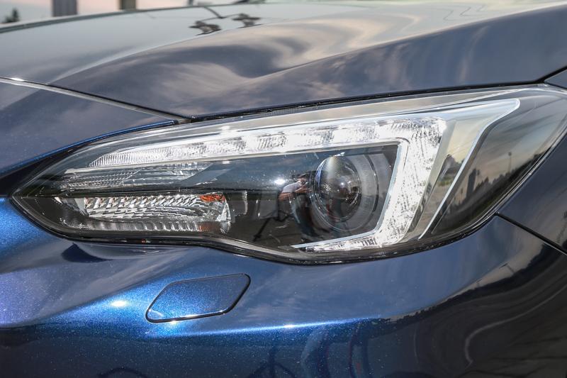 導入C型燈眉設計的頭燈造型,增加辨識度。