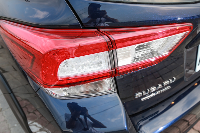 與頭燈呼應的車尾燈型設計。