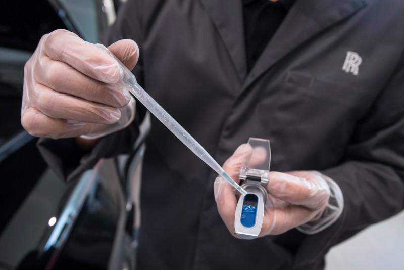 使用濃度比重檢測儀檢測水箱精濃度,確保水箱精濃度保持在一定範圍內,防止引擎散熱不良或引擎提早老化。