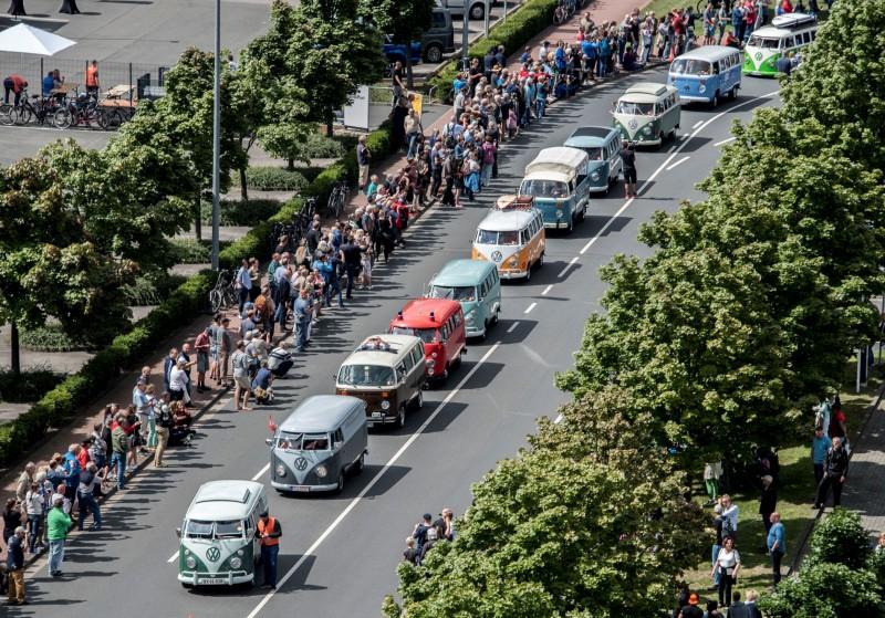 活動共聚集350台各世代經典車款,從德國狼堡浩浩蕩蕩遊行至漢諾威