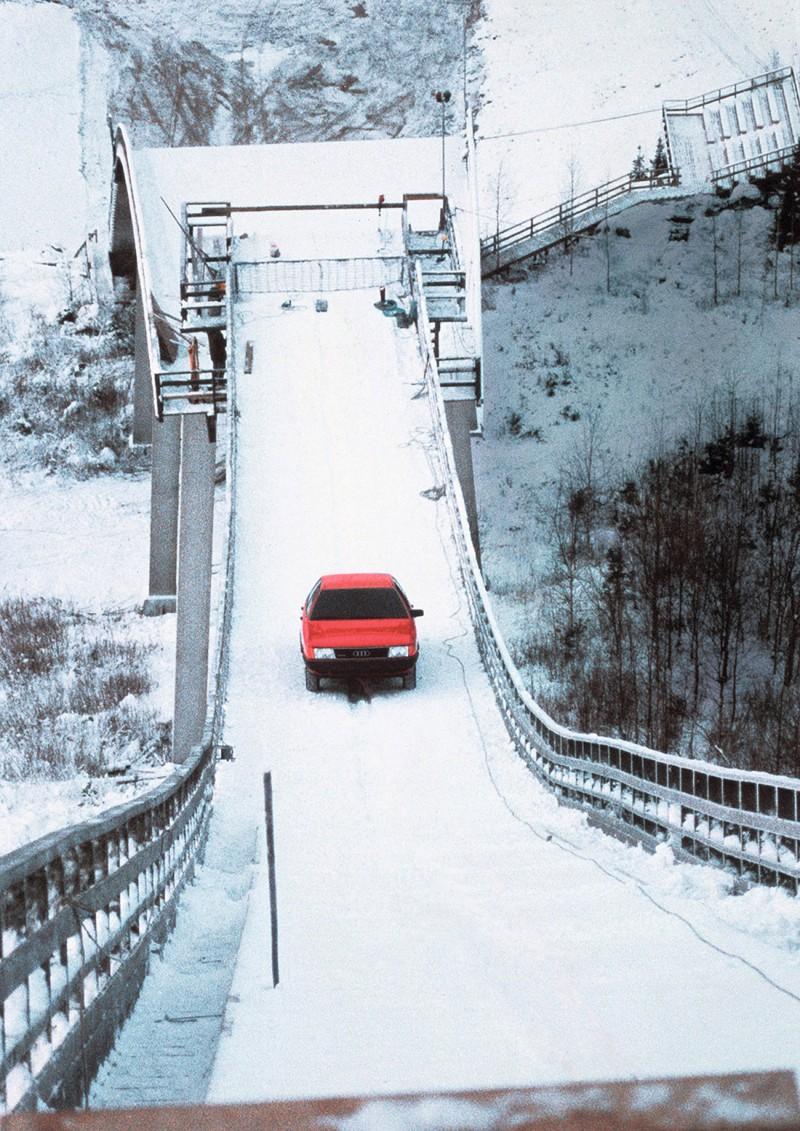 1986年的Ski-jump廣告,不僅讓許多車迷印象深刻,也為quattro強大的越野形象留下了一個經典的紀錄。