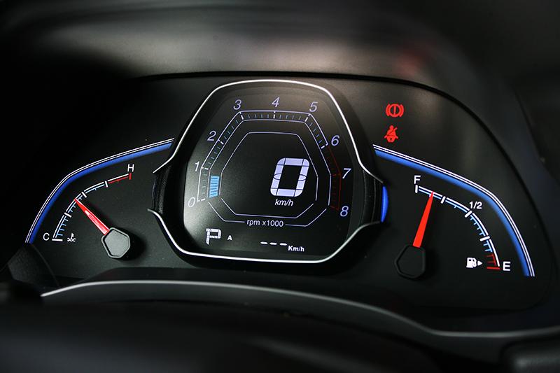 液晶儀表帶來更加科技化的視覺感受,卻也不致過度浮誇。