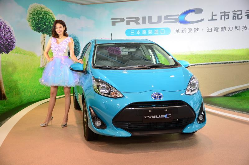 小改款 Prius c 以79.9萬元開出,搭配舊車折抵5萬優惠補助下不到75萬就能擁有