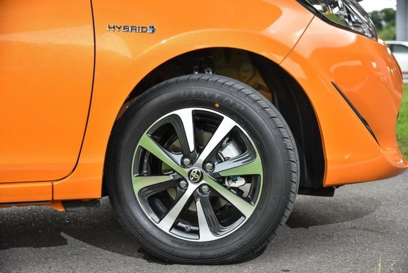 輪圈換成更具活力的Two-Tone雙色削切式樣