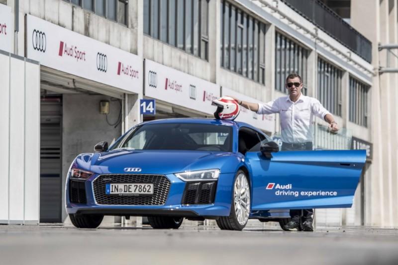 台灣奧迪力邀曾拿下九屆利曼冠軍的傳奇車手「利曼先生」Tom Kristensen來台,與車迷朋友近距離分享專業的操駕經驗!