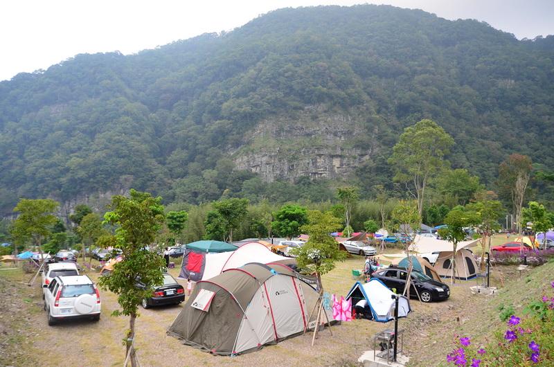 印象尖石露營區設施新穎便利,難怪活動當天的禮拜六近乎滿棚狀態