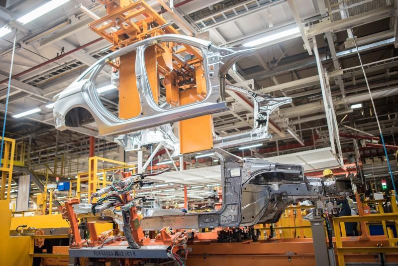 高效能彈性總組可針對不同造型、規格的車身在同一條生產線上進行混線生產,利用不同夾治具切換,使單一產線能處理的產品規格增加到四種車型,原先需要四條生產線才能達到的產能,由一條新產線即可完成。