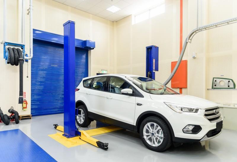 氣密稽核實驗室內部採用特殊材質包覆,可以有效抑制環境噪音,以符合Ford全球標準,讓室內分貝數保持低於60db。