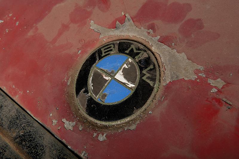 你的BMW Logo舊了嗎?有見過淘寶或漏天在賣的山寨版黑白色Logo嗎?