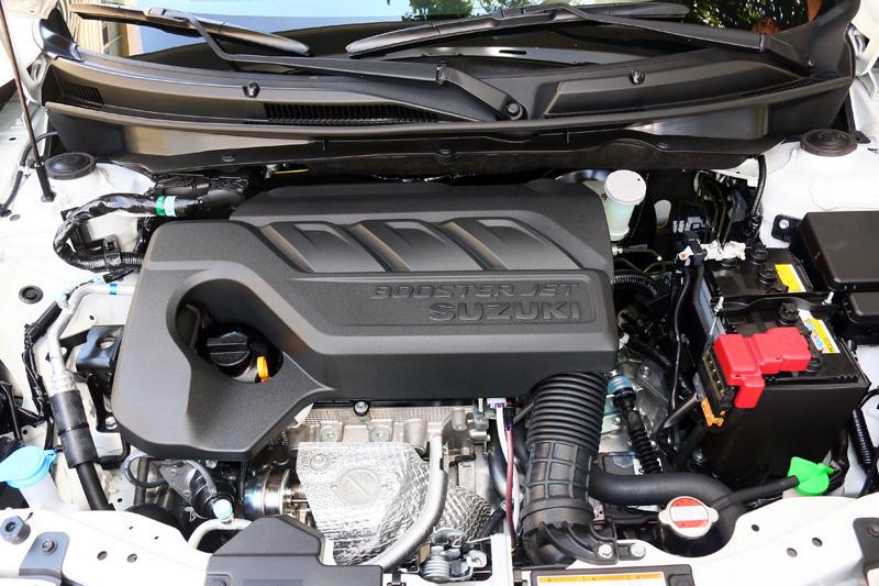 最新BoosterJet系列的1.0升渦輪增壓三汽缸引擎可輸出111ps/5500rpm最大馬力與16.3kgm/1500-4000rpm之最大扭力。