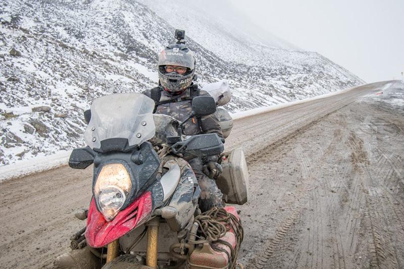 V-STROM 1000 火花羅在北極圈道頓公路上的無懼挑戰。