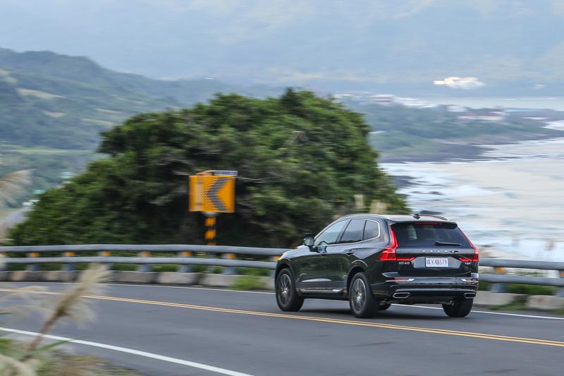 高品質的行路表現不僅出現在下盤對於不平路面的吸震力,也反映在出色的隔音制震面向。