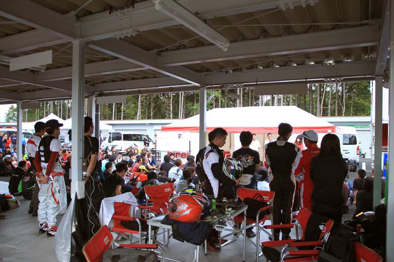 雖然對日文不熟悉,但TAROKO Racing Team隊員們依然表現出尊重的聆聽。
