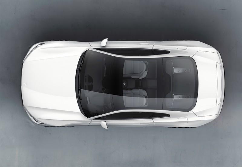 車頂採用全景玻璃,擁有極佳視野