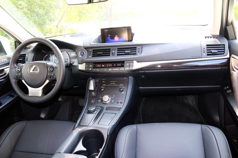 不錯地內裝質感也是CT 200h勝過不少同級車的優點之一。