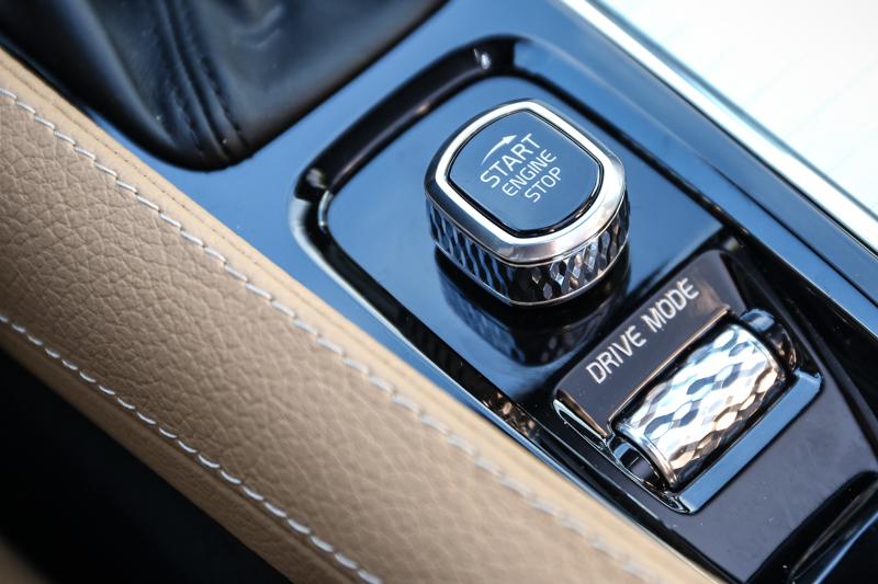 引擎啟動設計採單向,與過往雙向設計稍微不同。