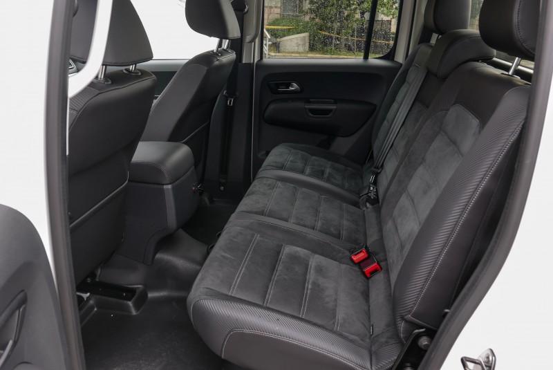 目前已開放的皮卡後座,Amarok V6成為載客載物都方便的全方位車款