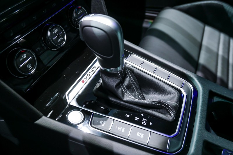 280hp/35.7kgm優異動力,搭配DCC主動式底盤控制系統、4MOTION主動式智慧型四輪驅動系統、運動化懸吊,可於5.5秒完成百公里加速(Variant車型為5.7秒)。