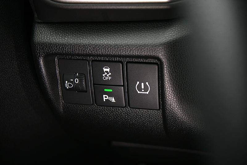 無論VSA車身動態穩定控制系統或是包含TPMS胎壓異常警示系統在內的九大主動安全系統,都能將危機阻絕於外防患於未然。