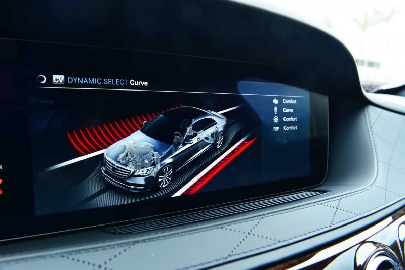 若選配車身控制系統在駕駛模式中會多出一項Curve選項