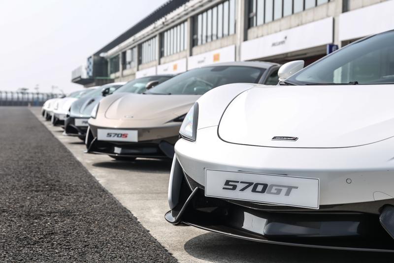 精銳盡出,540C、570GT、570S、720S共四款車型一字排開,一口氣領略當前McLaren造車精華。