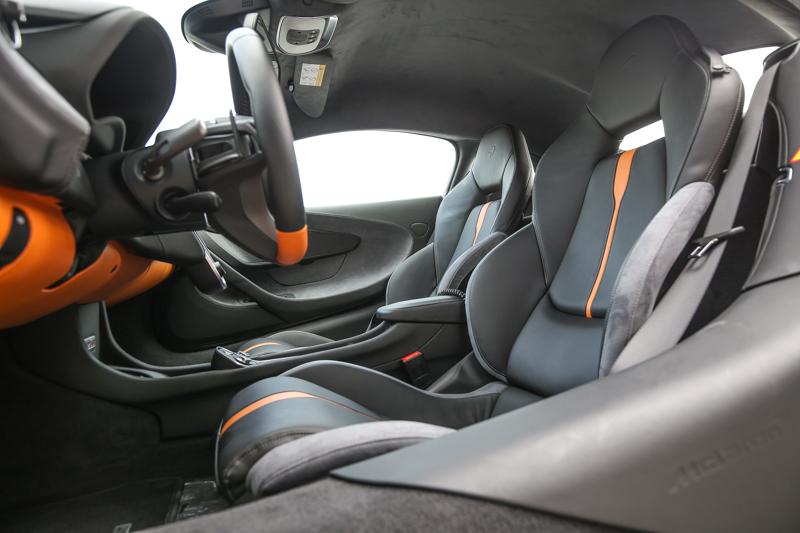 座艙設計當然也是Sports Series家族一貫風格。