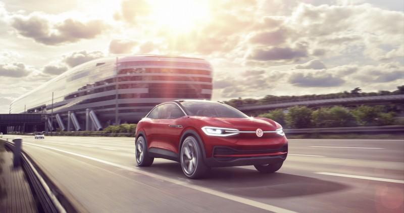 Volkswagen於日前發表新款I.D. CROZZ電動跑旅概念車,並且宣布將於2020年推出量產車型。