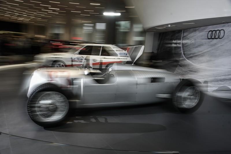 不同時空背景的兩車如果同場較勁,誰比較快?? Auto Union Type C少了駕駛好像怪怪的