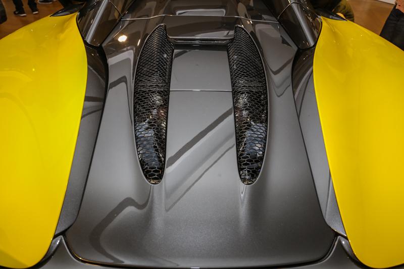 搭載McLaren M838TE的3.8升雙渦輪V8引擎,可發揮570PS/600Nm輸出表現。