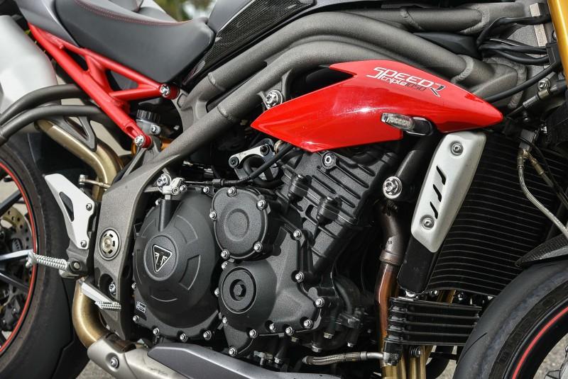 11000轉之後才進入紅線,Speed Triple R動力並非一般汽車引擎能夠相提並論