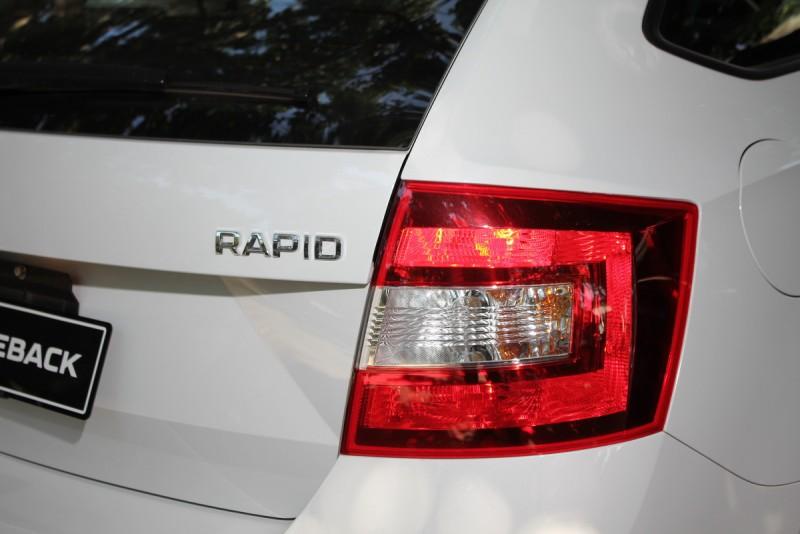 這是改款前的車尾,請注意Rapid車名的金屬字位置